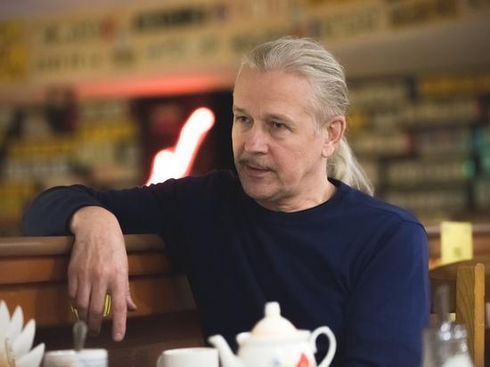 Александр Мезенцев: «Мы пока еще не сваливаем, но все к этому и идет»