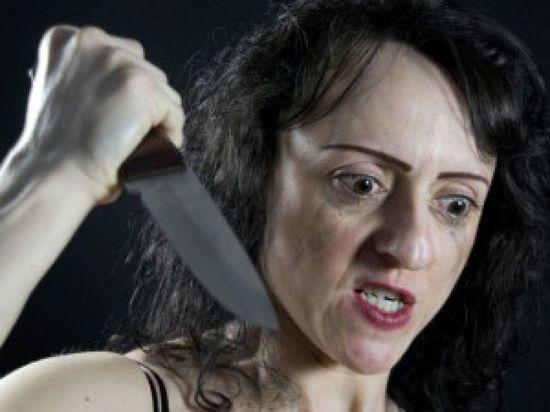 Ножевое ранение не убедило жителя Коряжмы прервать пьянку