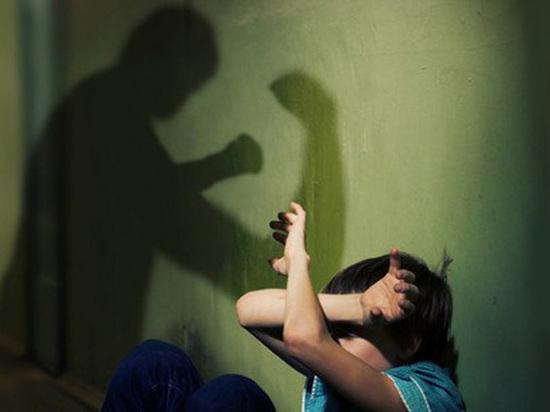 Семейного деспота из Каргополя посадили за истязание несовершеннолетних