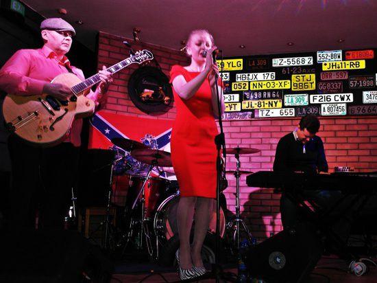В «Джаз-мастерской» и клубе «Колесо» первого и второго марта состоялись выступления яркой московской блюзовой группы «Dynamic James».